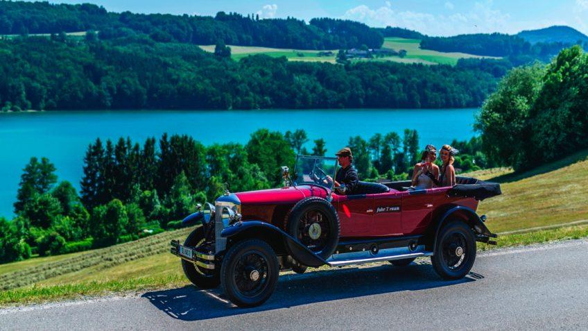drive around in vintage car